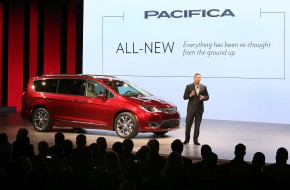 2017 Chrysler Pacifica at the 2016 Detroit Auto Show NAIAS
