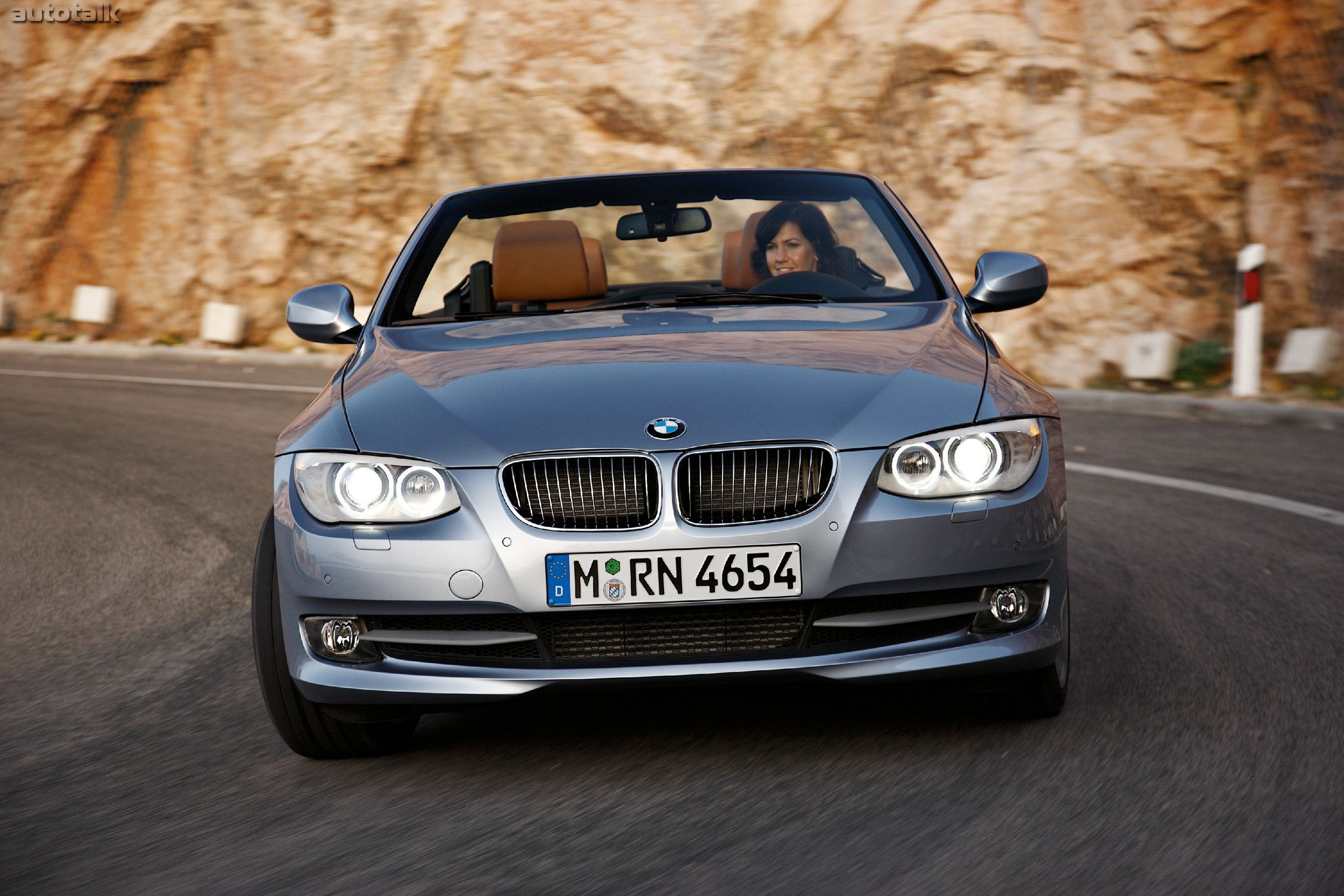 Bmw 3 series convertible front angle road  № 850458 загрузить