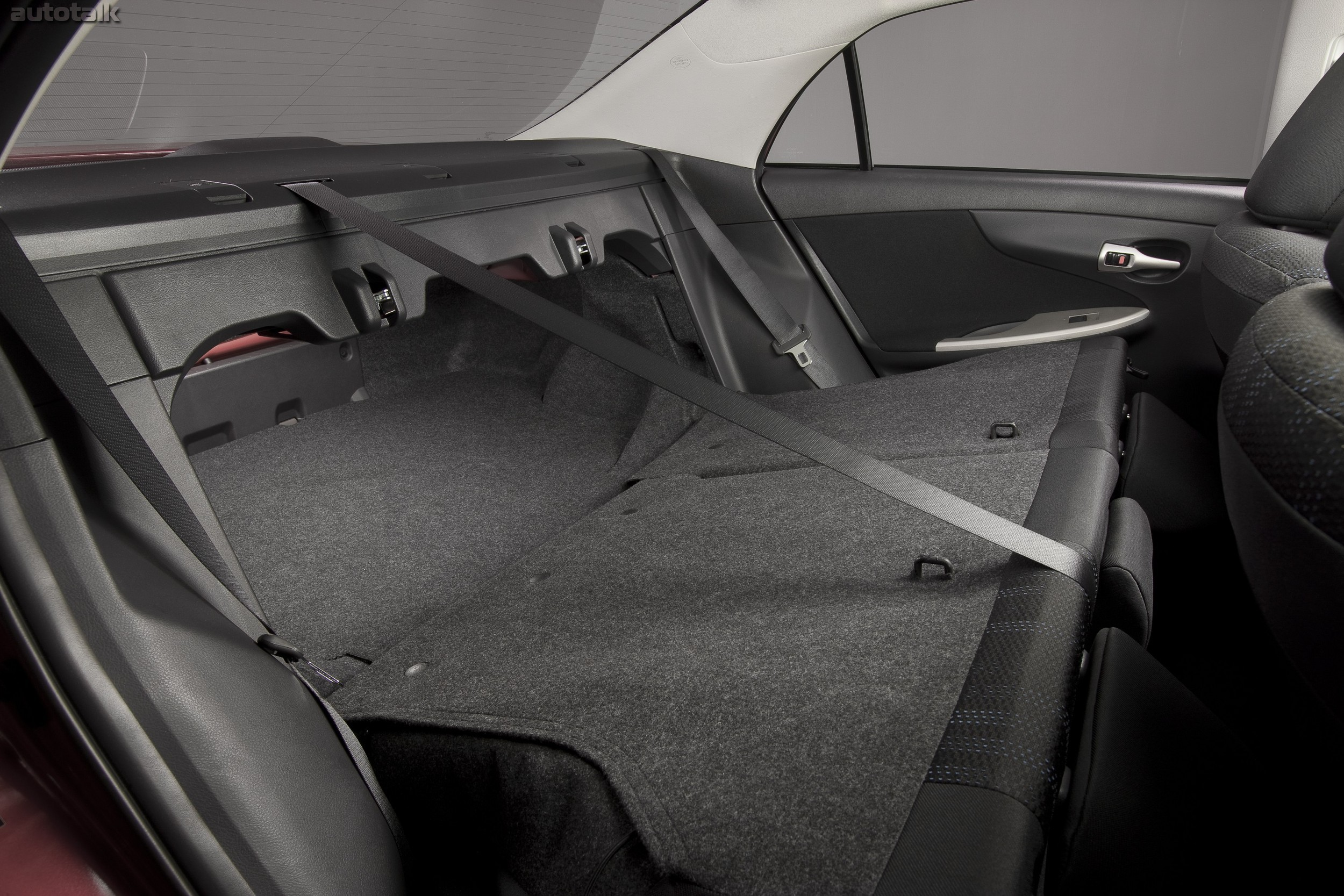 снять сиденья Toyota Королла