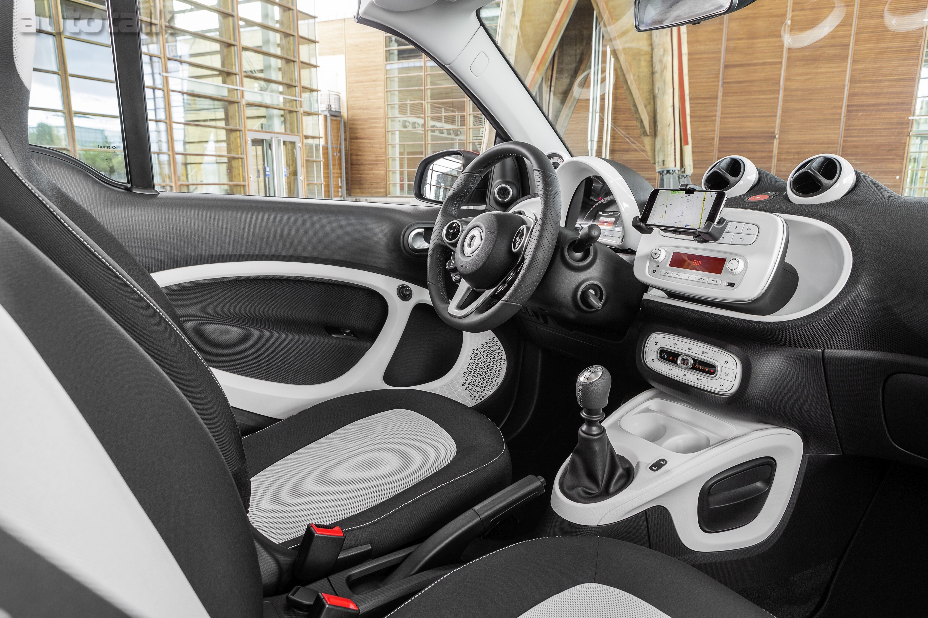 2016 smart fortwo cabrio, passion, white / jupiter red