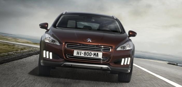 2012_Peugeot_508_RXH-4