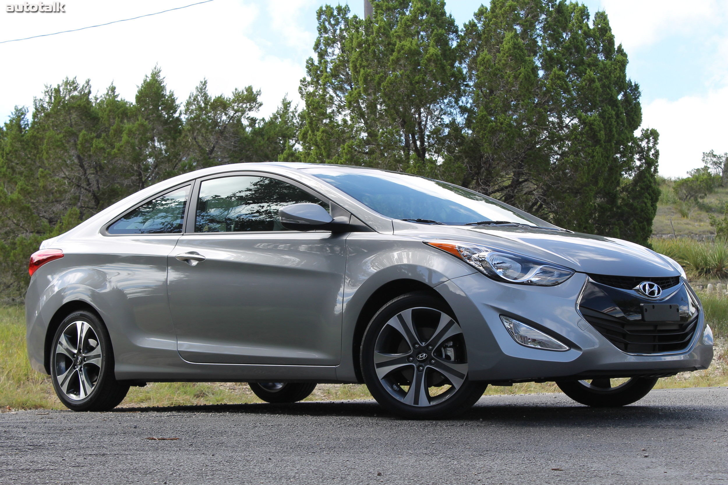 2013 hyundai elantra coupe first drive autotalk. Black Bedroom Furniture Sets. Home Design Ideas