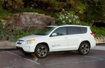 2012_Toyota_RAV4_EV-25