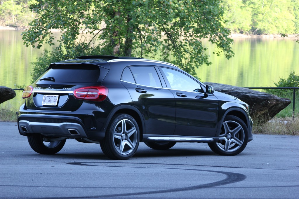 Mercedes benz gla 250 review for Mercedes benz gla 250 review