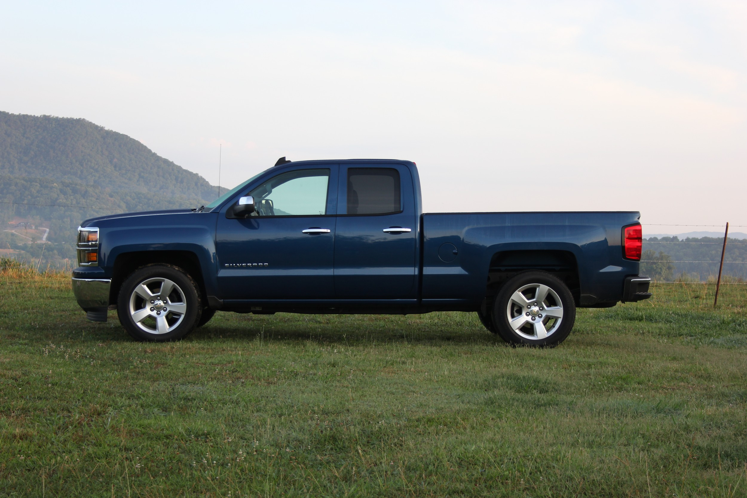 in inventory pre silverado cab rwd chevrolet crew lt owned pickup