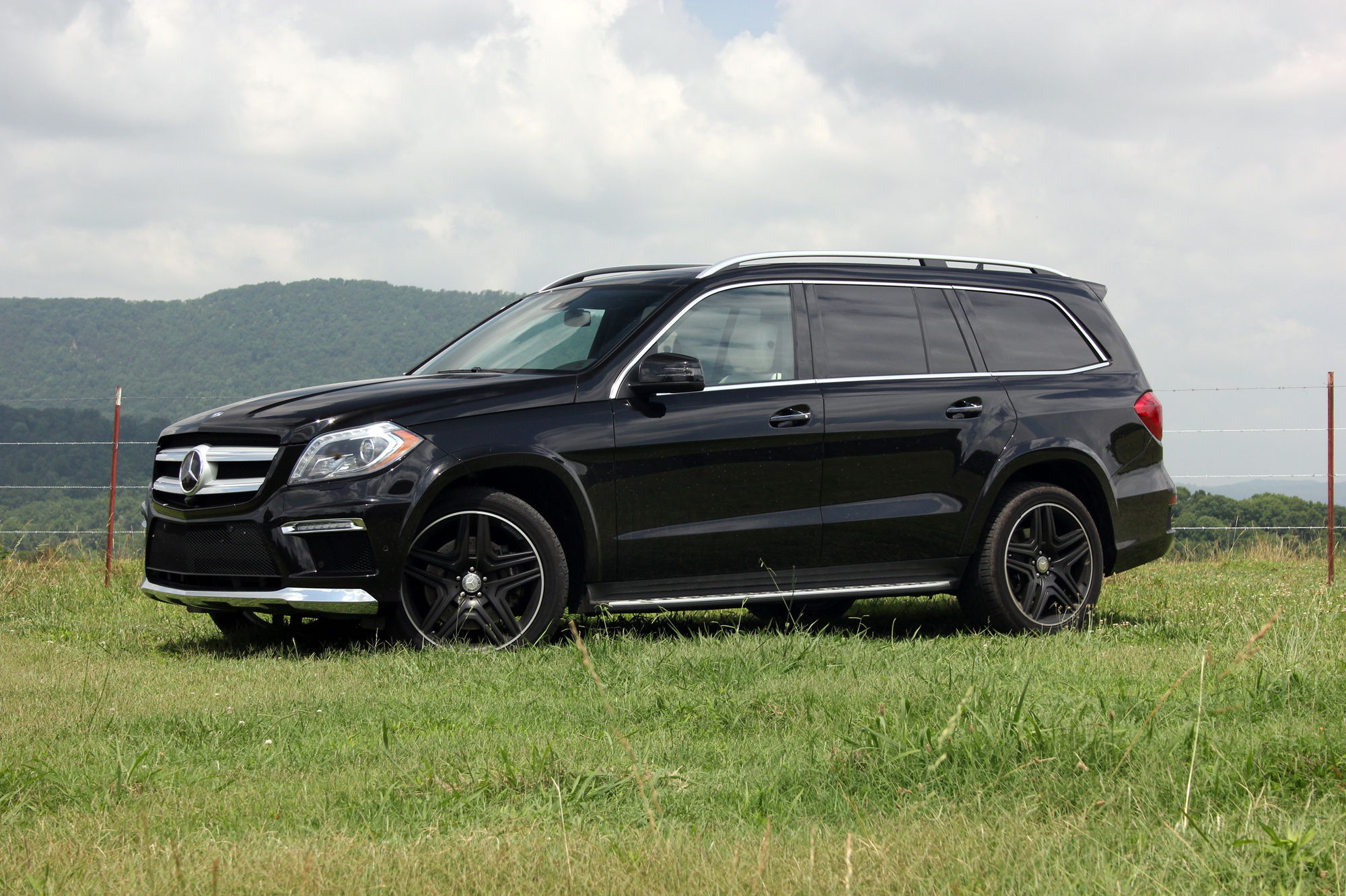 Gallery 2015 mercedes benz gl550 autotalk for 2015 mercedes benz gl550