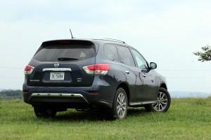 2015 Nissan Pathfinder (11)