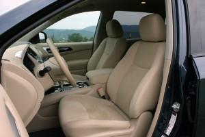 2015 Nissan Pathfinder (30)
