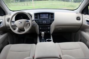 2015 Nissan Pathfinder (38)