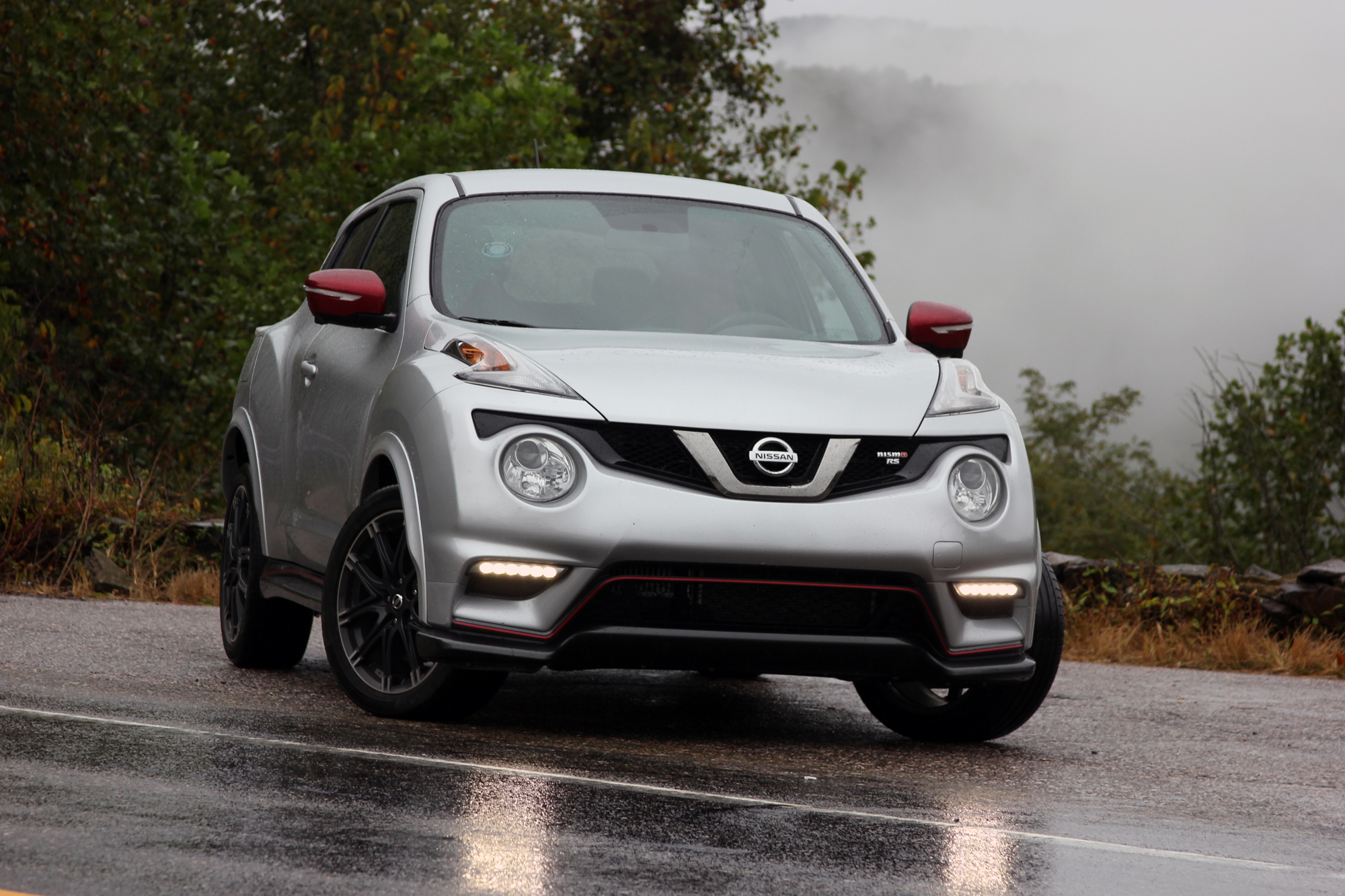 2015 nissan juke nismo rs video review autotalk. Black Bedroom Furniture Sets. Home Design Ideas