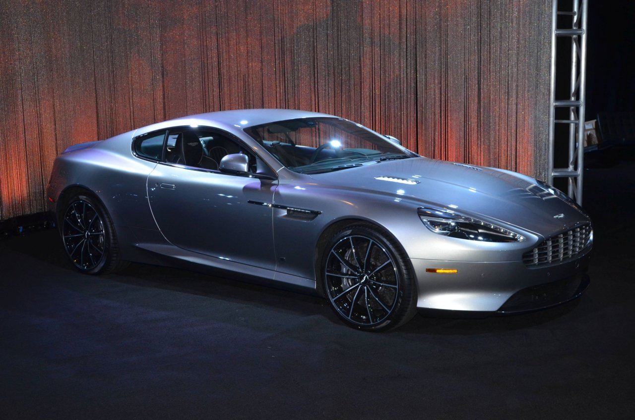 james bond 39 s aston martin db10 sells for 3 4 million autotalk. Black Bedroom Furniture Sets. Home Design Ideas
