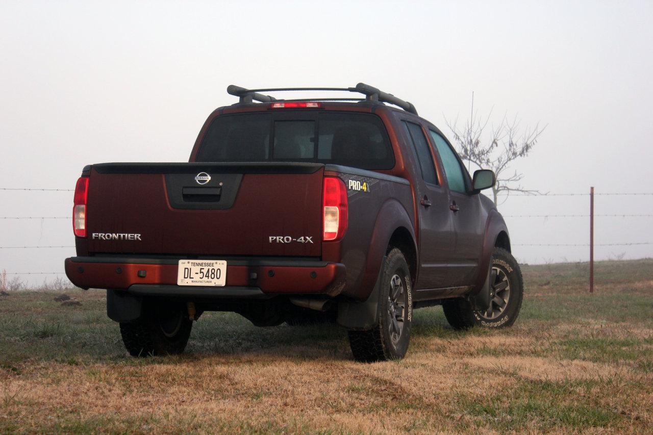 2016 Nissan Frontier Pro-4X Review • AutoTalk