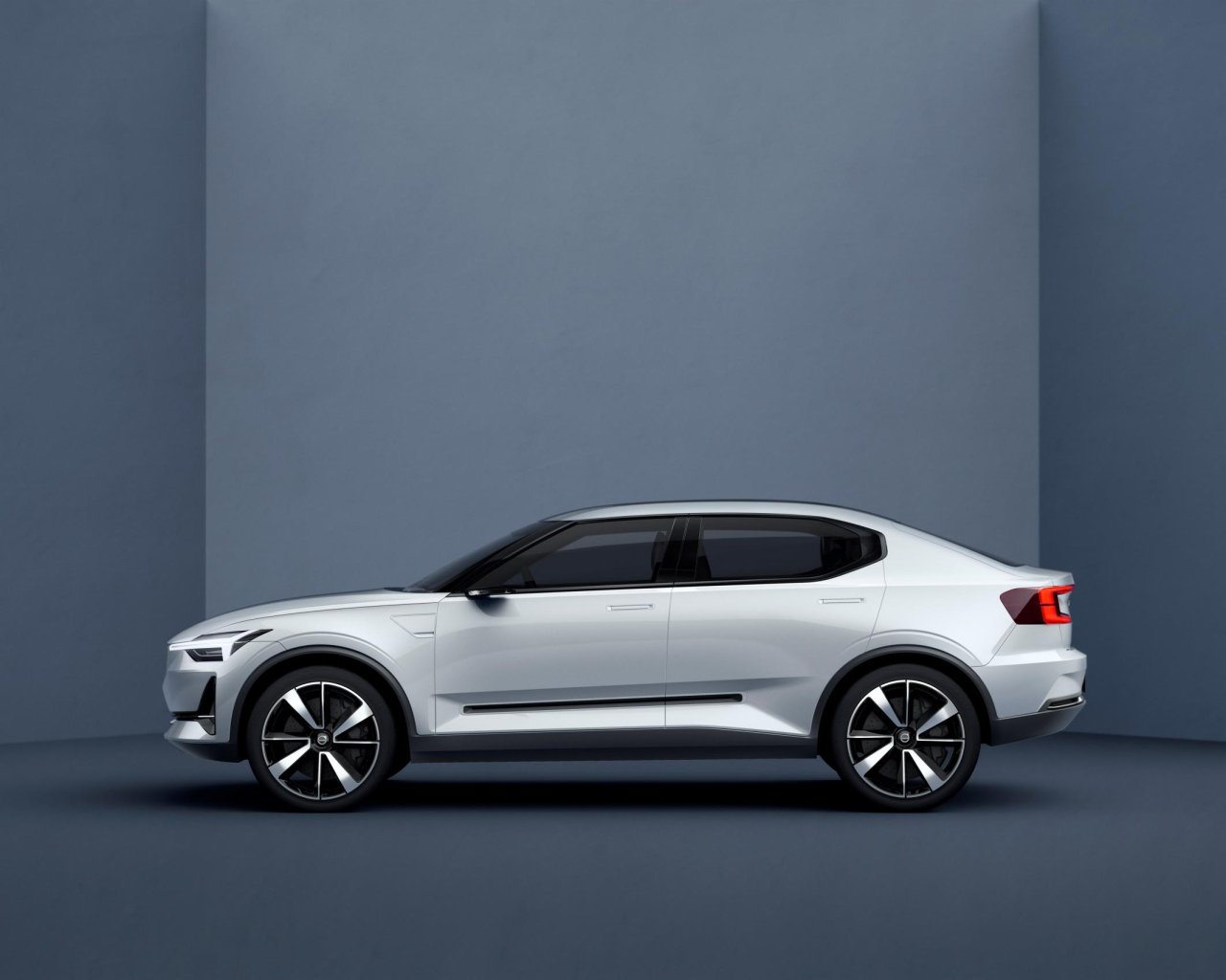 Volvo Concept 40 (2)