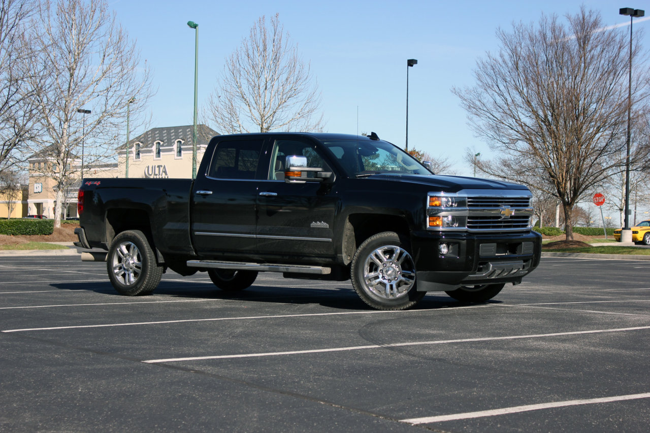 2016 chevrolet silverado 2500 hd high country review autotalk. Black Bedroom Furniture Sets. Home Design Ideas