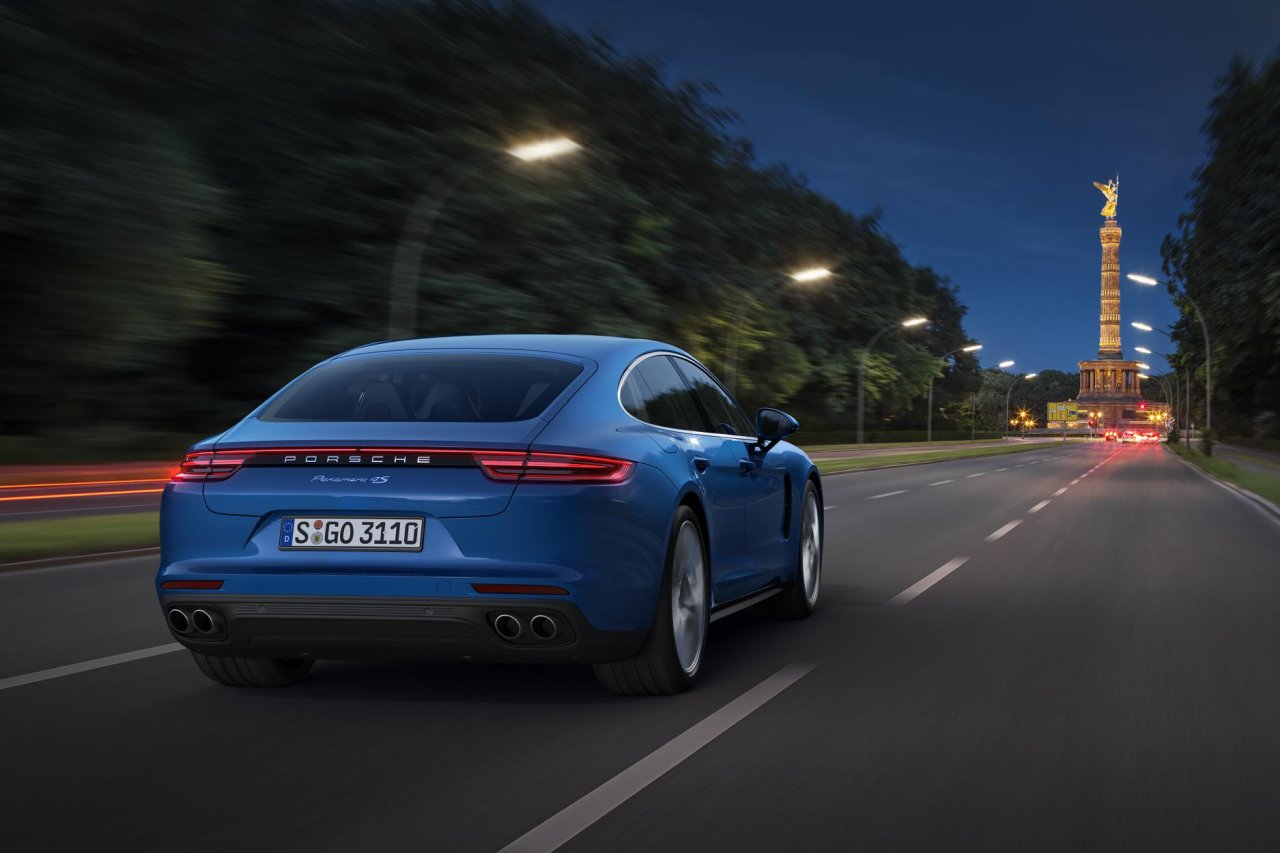 The Porsche Panamera hybrid could get 700hp and tech from 918 supercar